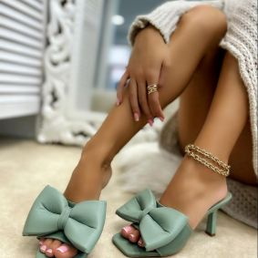 MULES WITH BOW AND THIN HEEL - GREEN