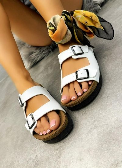 SLIPPERS WITH BELTS - WHITE
