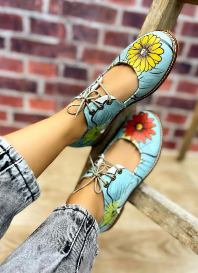 LACE UP SHOES WITH FLOWER PRINT - BLUE