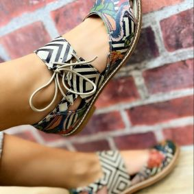 LACE UP SANDALS WITH PRINT - BEIGE