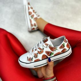STRAWBERRY PRINT SNEAKERS - WHITE