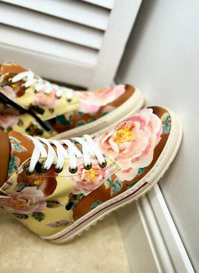 SHOES WITH FLOWER PRINT - YELLOW