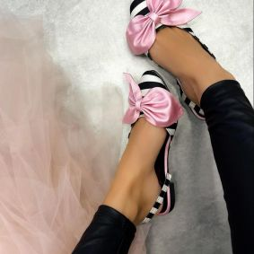 STRIPED FLATS WITH ROSE BOW - BLACK/WHITE