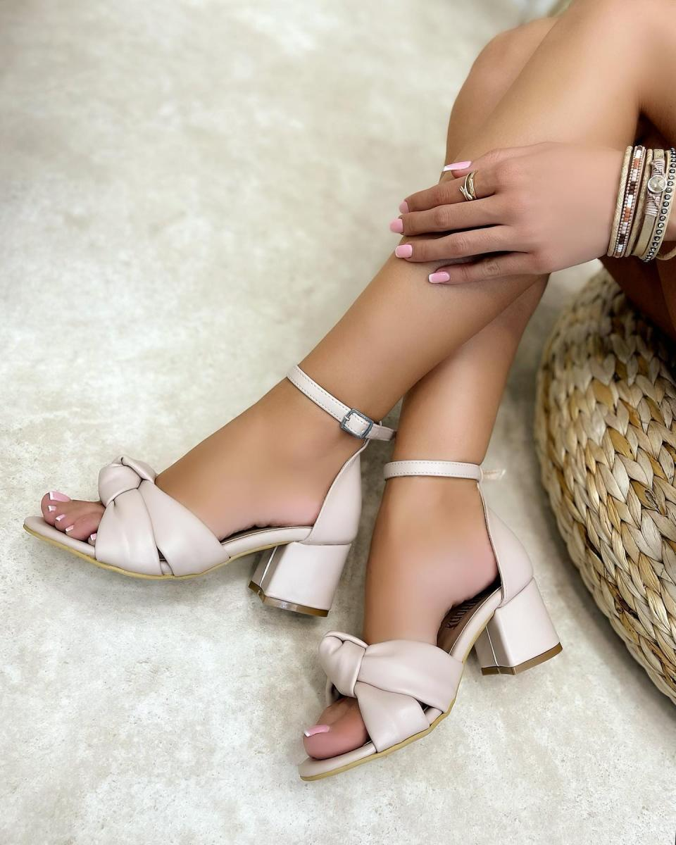 THICK HEEL SANDALS WITH BOW - BEIGE