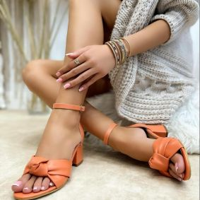THICK HEEL SANDALS WITH BOW - ORANGE