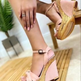 VELOUR WEDGE SANDALS - POWDER ROSE