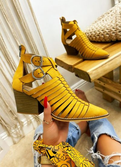 VELOUR ANKLE BOOTS WITH BLOCK HEEL - OCHER