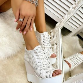 HOLLOW WEDGE SHOES - WHITE