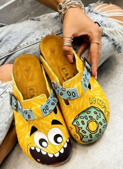 DONUT LEATHER CLOGS WITH BELT - YELLOW