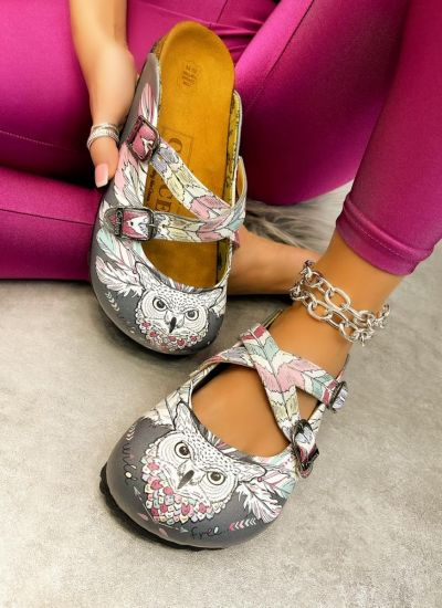 LEATHER CLOGS WITH BELT AND OWL - BLACK