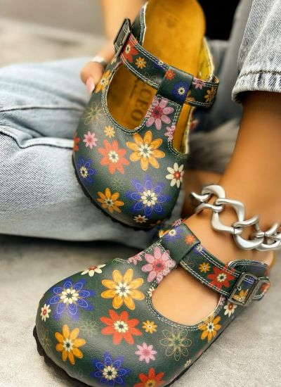 LEATHER CLOGS WITH BELT AND FLOWER PRINT - GREEN