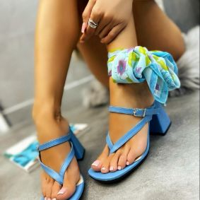 FLIP - FLOPS WITH THICK HEEL - BLUE