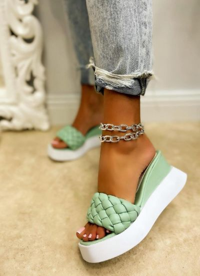 WEDGE KNITTED SLIPPERS - GREEN