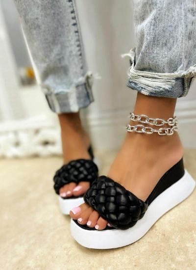 WEDGE KNITTED SLIPPERS - BLACK