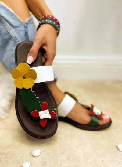 FLAT SLIPPERS WITH FLOWER - WHITE