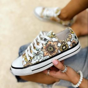 SNEAKERS WITH FLOWER PRINT - WHITE