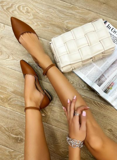 OPEN FLATS WITH BELT - BROWN