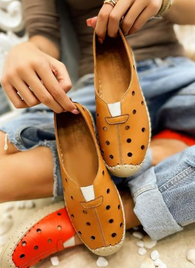 Flat leather shoes DOTTY - CAMEL
