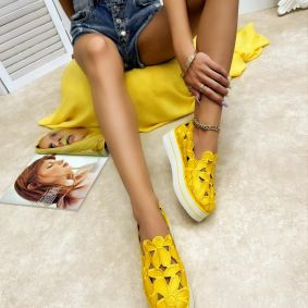 SHOES WITH HIGH SOLE AND FLOWER PRINT - YELLOW
