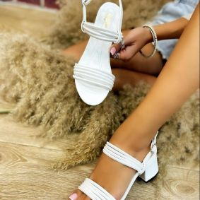 SANDALS WITH BELT AND THICK HEEL - WHITE