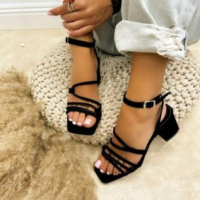 PLUSH SANDALS WITH BELTS AND THICK HEEL - BLACK