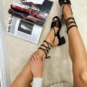 LACE UP SANDALS WITH BLOCK HEEL - BLACK