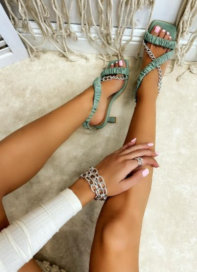 WRINKLED THIN HEEL SANDALS WITH CHAIN - GREEN