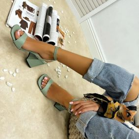SANDALS WITH BELT AND THICK HEEL - MINT