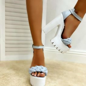 KNITTED PLATFORM SANDALS WITH THICK HEEL - BLUE