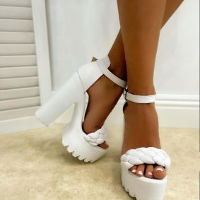 KNITTED PLATFORM SANDALS WITH THICK HEEL - WHITE