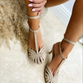 VELOUR SANDALS WITH THIN HEEL - BEIGE