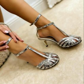 PATENT SANDALS WITH BELTS AND THIN HEEL - SILVER