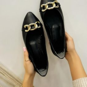 FLATS WITH CHAIN - BLACK